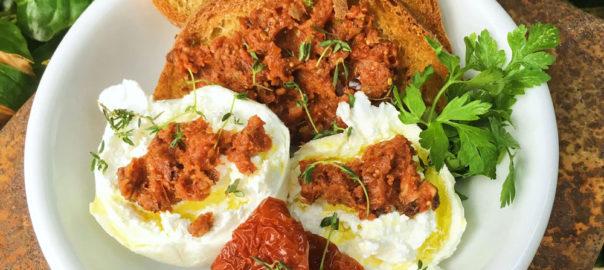 Salsa Rossa mit frischer Feige (sonnengetrocknete bio tomaten)