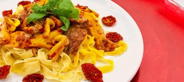 Pasta mit Pilzen und Kirschtomaten